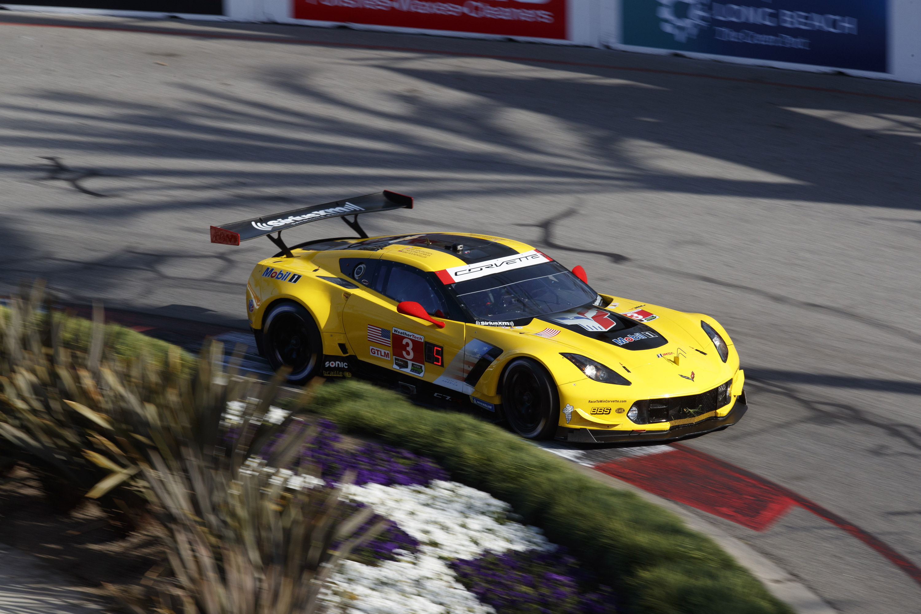 corvette racing at long beach second and third rows in gtlm qualifying endurance info. Black Bedroom Furniture Sets. Home Design Ideas
