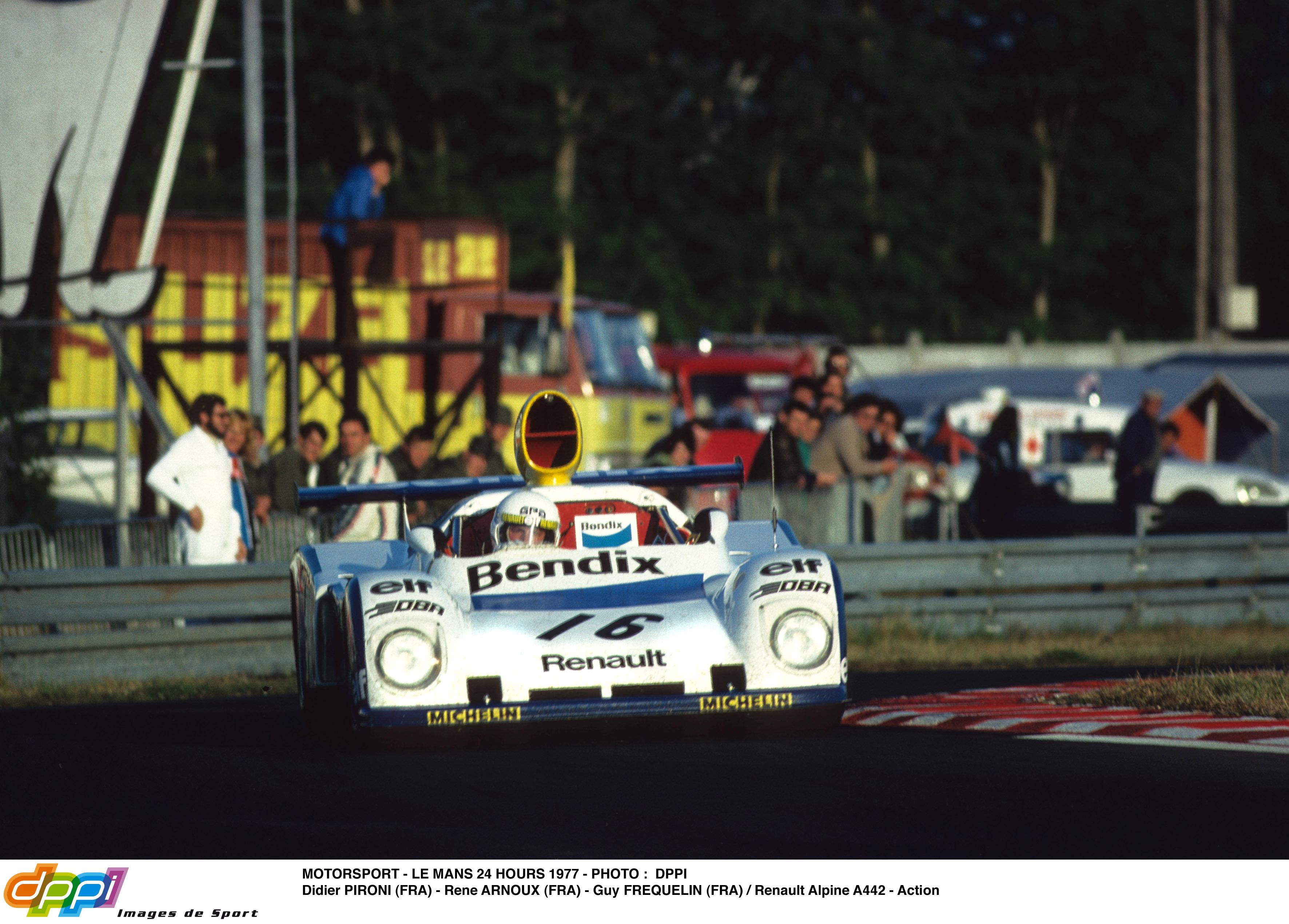 La Porsche n° 2 passe en tête !